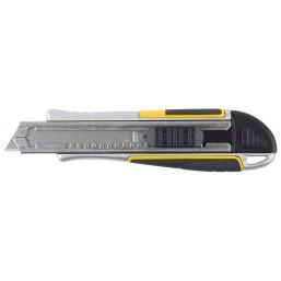 """Нож STAYER """"PROFI"""" обрезиненная рукоятка Super Grip,метал. корпус,автостоп,допфиксатор,кассета на 6"""