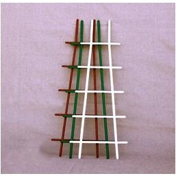 Лесенка для цветов пласт. обычная, 50 см(арт. IDR2)